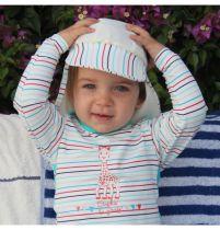 Casquette Anti-UV bébé en Vacances avec Sophie