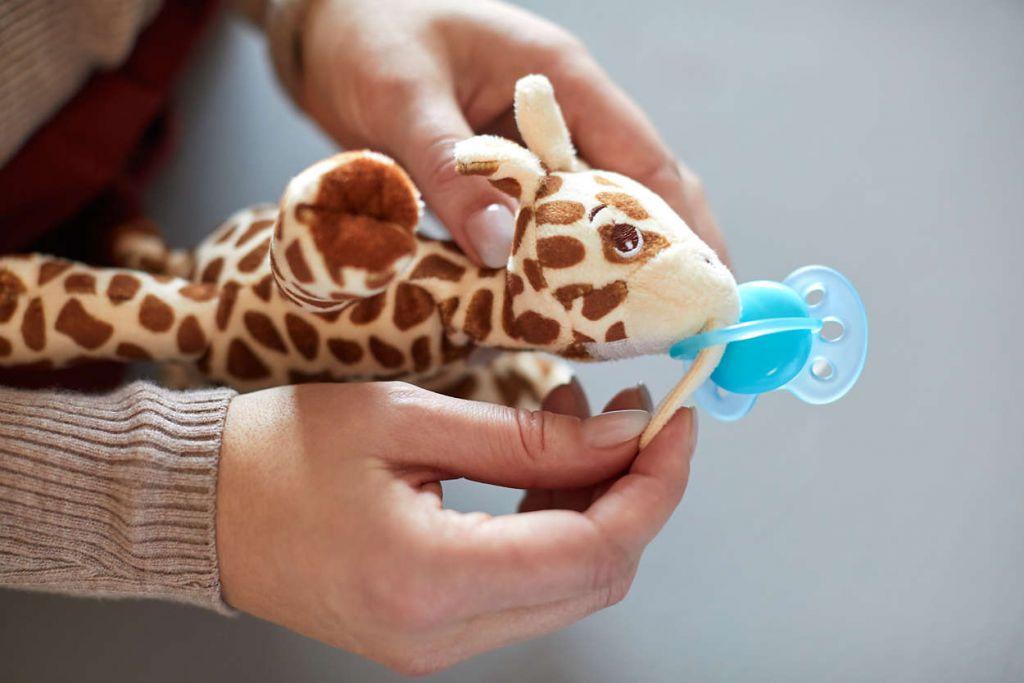 Doudou avec Sucette Girafe Avent